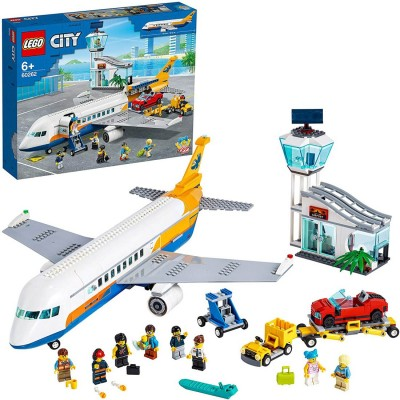 LEGO City Airport Terminal...
